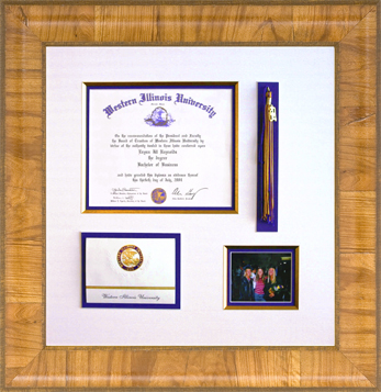 Diploma framing design with tassel and picture.