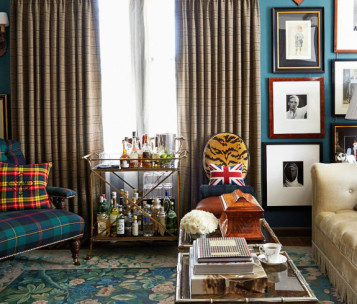 Plaid Living Room Art & Decor Example